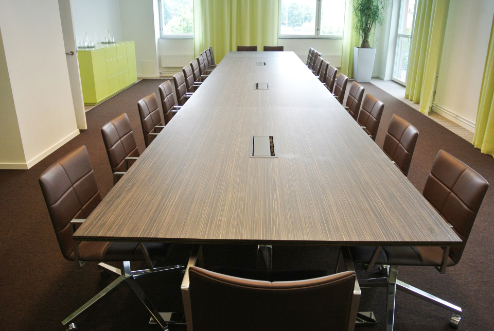 Conference Tables HB - Traditional conference table